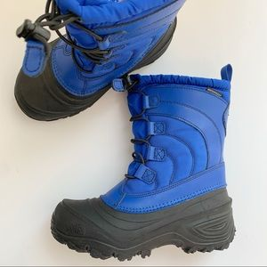 Boys North Face Winter Boots size  US 2